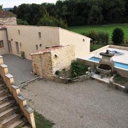 Les Ânes de Forcalquier : piscine, cour et bâtisse - Location de vacances - Forcalquier