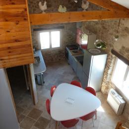Vue de la mezzanine, pièce à vivre - Location de vacances - Saint-Étienne-les-Orgues
