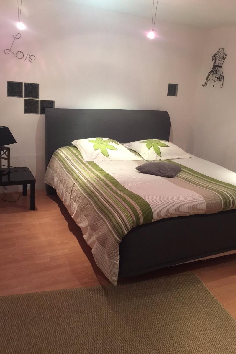 Chambre lit en 140 - Location de vacances - Volonne