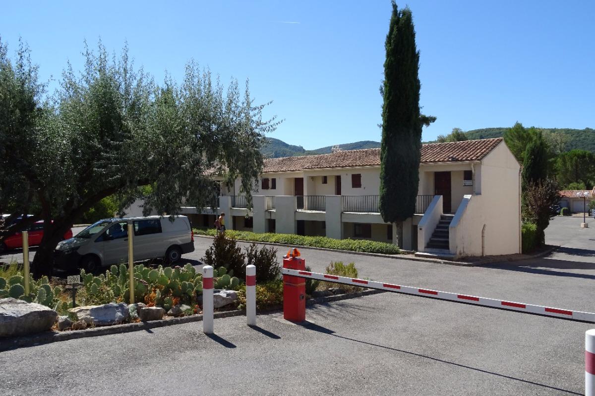 Accès sécurisée à la résidence - Location de vacances - Gréoux-les-Bains