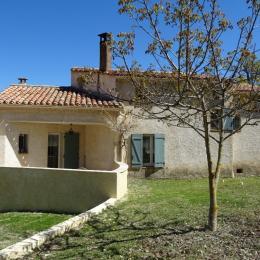 Les Lavandins, la maison et le jardin Vachères - Location de vacances - Vachères