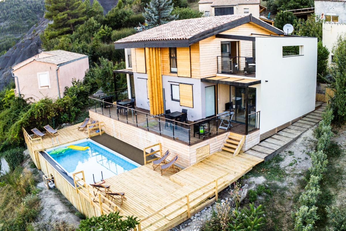 Halte Air et Go/ Cheval blanc/ Vue d'ensemble - Location de vacances - Marcoux