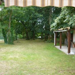 Vue du jardin  depuis terrasse Façade EST - Location de vacances - Saint-Vincent-de-Paul