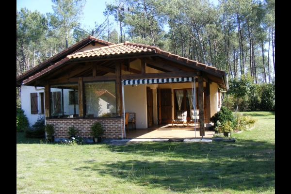 Maison à 500m du lac avec grande terrasse abritée, location de ...