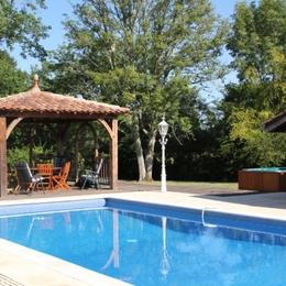 escalier menant à la mezzanine - Location de vacances - Beylongue