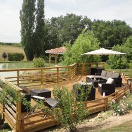 Terrasse 150 m² sur plan d'eau - Chambre d'hôte - Saint-Gein