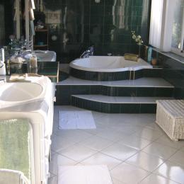 Salle de bain chambre 3 - Chambre d'hôtes - Narrosse