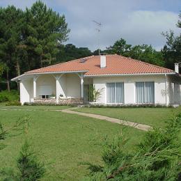 Façade villa Casa-Blanca - Chambre d'hôtes - Biscarrosse