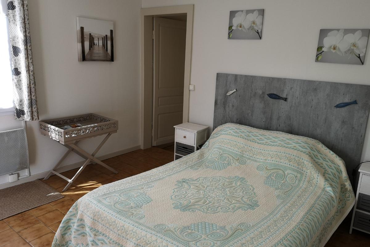 chambre avec lit 140  - Chambre d'hôtes - Mimizan