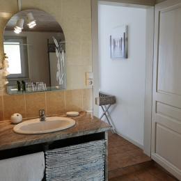 salle d 'eau avec douche italienne - Chambre d'hôtes - Mimizan