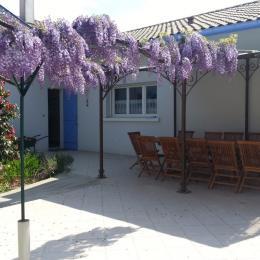 Terrasse pour les petits déjeuner - Chambre d'hôtes - Mimizan
