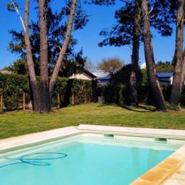 La piscine extérieure  - Location de vacances - Bénesse-Maremne
