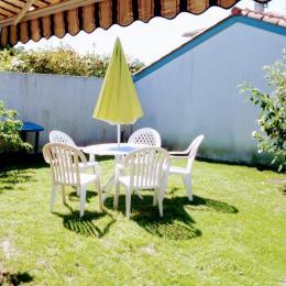 La partie jardin exposée sud - Location de vacances - Tarnos