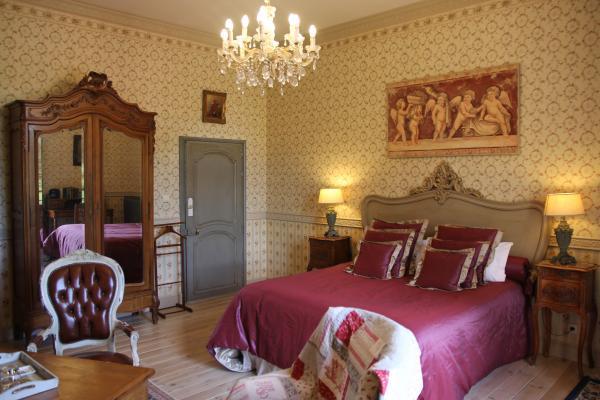 Le Château d'Origny - La Chambre de la Comtesse de Grassin - Chambre d'hôtes - Ouches