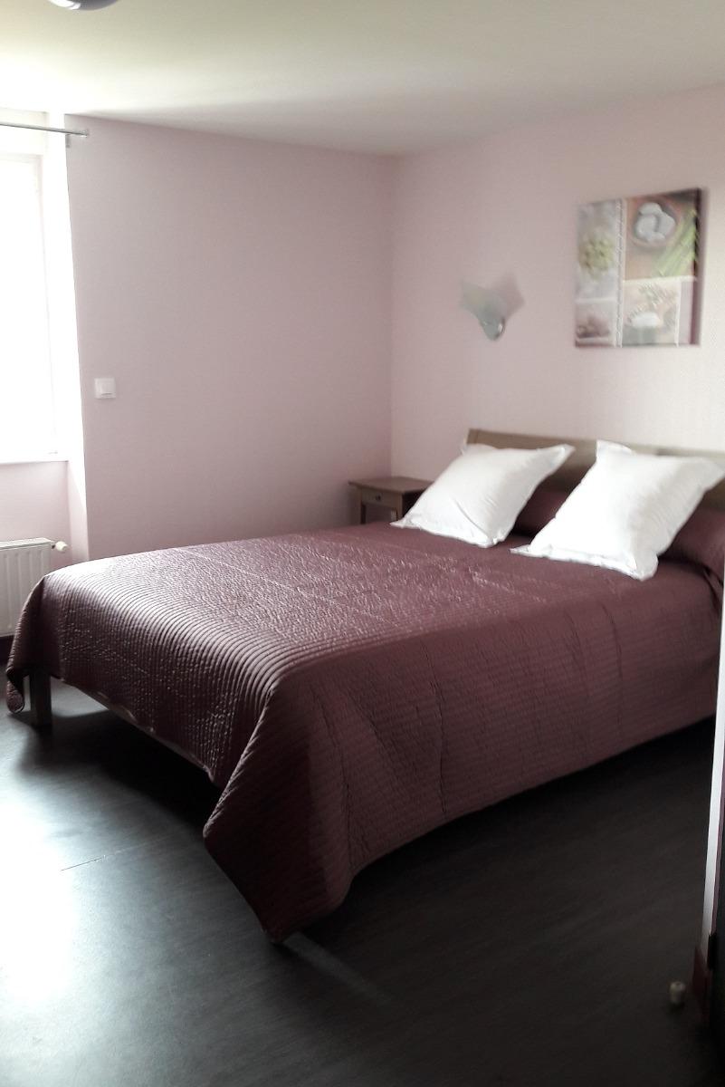 Améthyste - Lit Double - Chambre d'hôtes - Rozier-en-Donzy