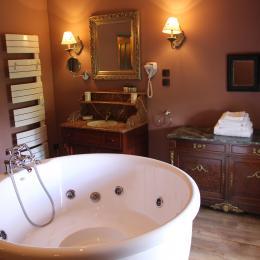 Le Château d'Origny - Salle de bains de La Chambre des Sœurs Polonaises - Chambre d'hôtes - Ouches
