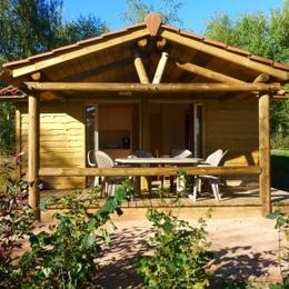 Camping Municipal Beausoleil - Chalet vacances avec terrasse privative - Location de vacances - La Pacaudière