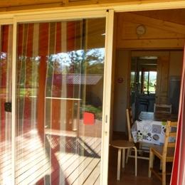 Camping Municipal Beausoleil - Pièce de vie du chalet vacances - Location de vacances - La Pacaudière