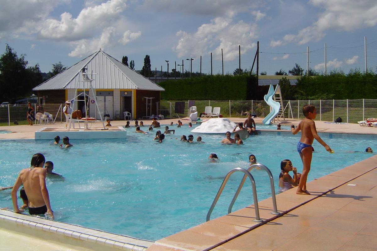 Camping Municipal Beausoleil - Piscine - Location de vacances - La Pacaudière
