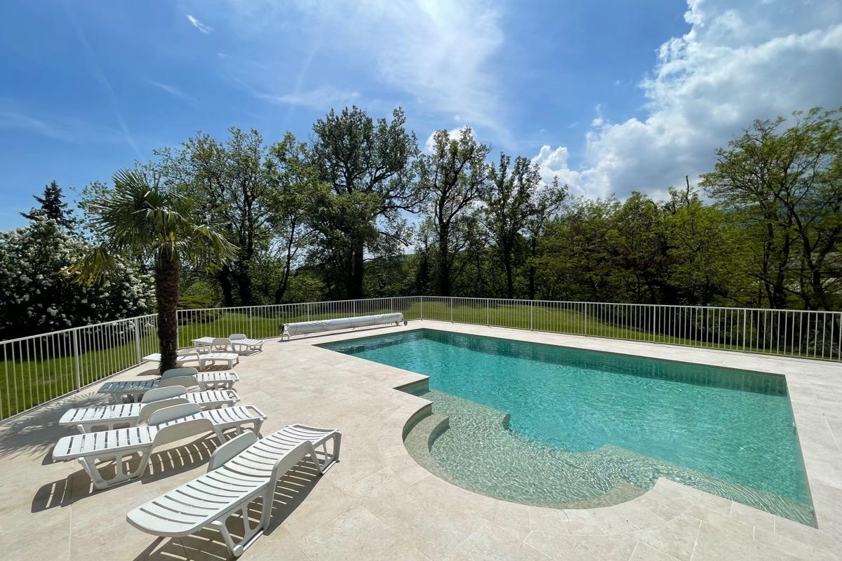 entrée gîte Domaine de la Griottière - Location de vacances - Pélussin