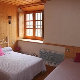 Maison Vigneronne - Chambre - Location de vacances - Champdieu