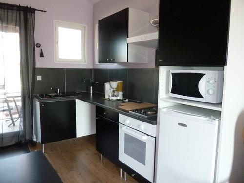 Studio à 100m des thermes de Montrond-les-Bains - Coin cuisine - Location de vacances - Montrond-les-Bains