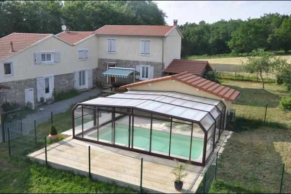 Location Aux Portes du forez de 170m2 avec piscine à la campagne - Location de vacances - Souternon
