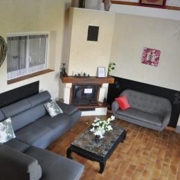 Location Aux Portes du forez : salon de jardin - Location de vacances - Souternon
