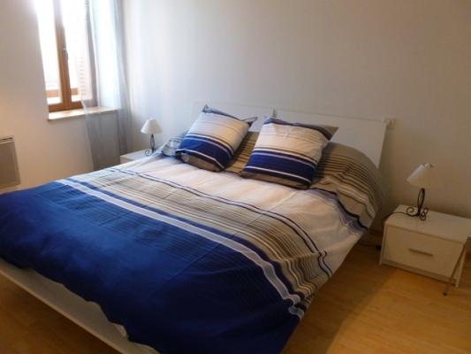 Appartement à Chalmazel les Granges - Chambre - Location de vacances - Chalmazel