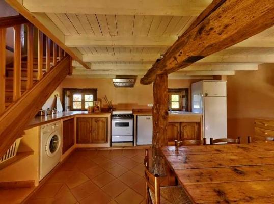 La salle à manger-cuisine du Gîte rural du Domaine de la Loge  - Location de vacances - Montverdun