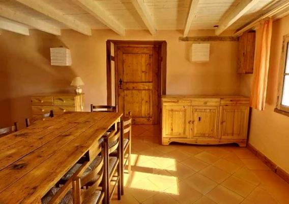 Coté salle à manger au Gîte rural du Domaine de la Loge  - Location de vacances - Montverdun