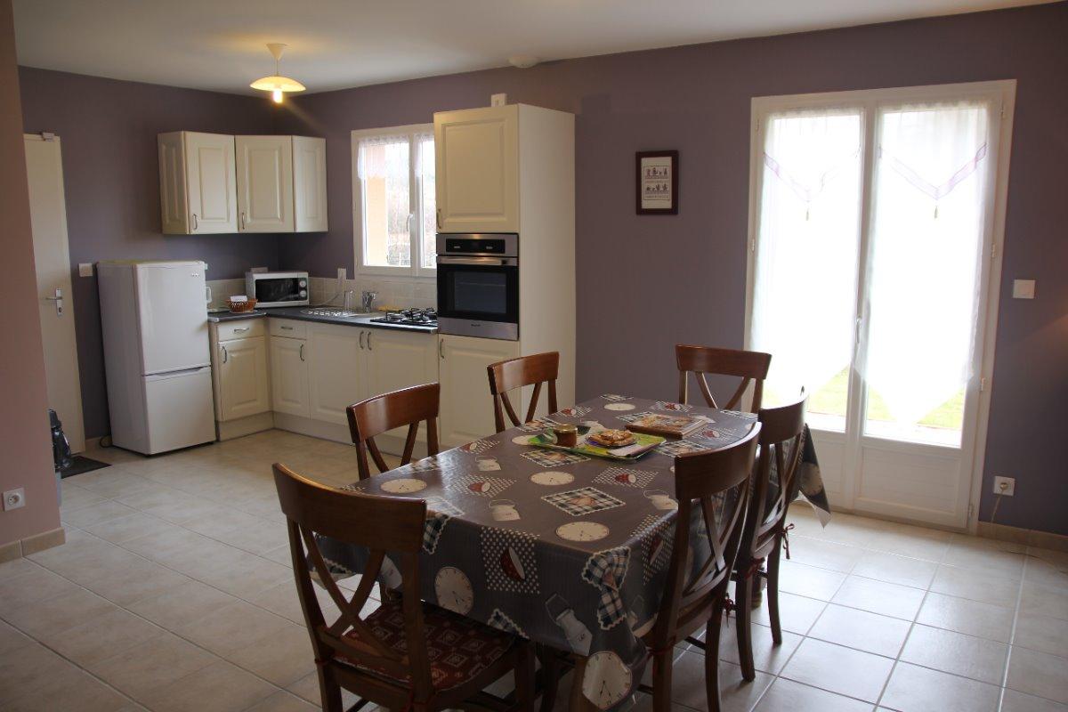 Maison indépendante avec jardin à Noirétable - Cuisine - Location de vacances - Noirétable