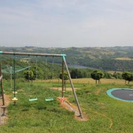 Gîte avec piscine chauffée à la campagne - Jeux pour enfants avec une vue panoramique sur la Loire - Location de vacances - Dancé
