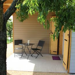 Chambres d'hôtes avec piscine dans le Parc naturel régional du Pilat - Terrasse privative - Chambre d'hôtes - Lupé