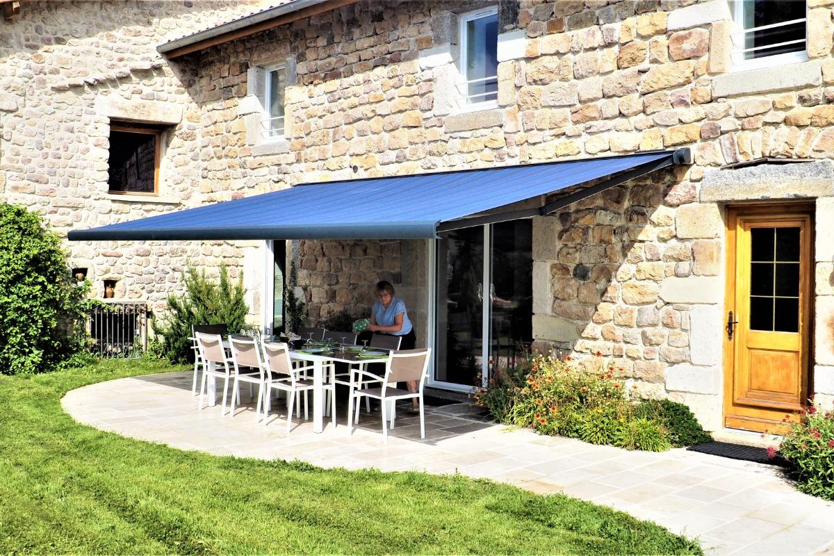 salon salle à manger - Location de vacances - Saint-Nizier-de-Fornas