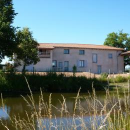 Gîte bleu, proche du Château de Saint-Marcel-de-Felines - Location de vacances - Saint-Marcel-de-Félines