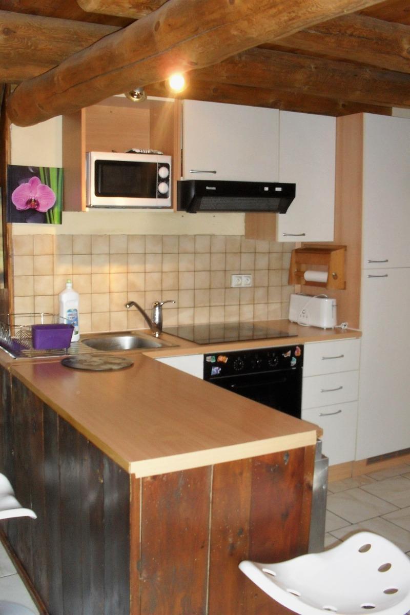 espace cuisine - Location de vacances - Grèzes