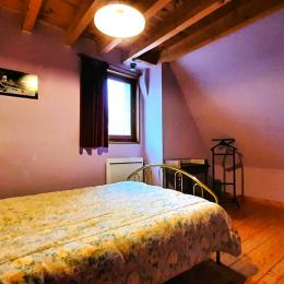 Chambre 2° étage - Location de vacances - Moudeyres