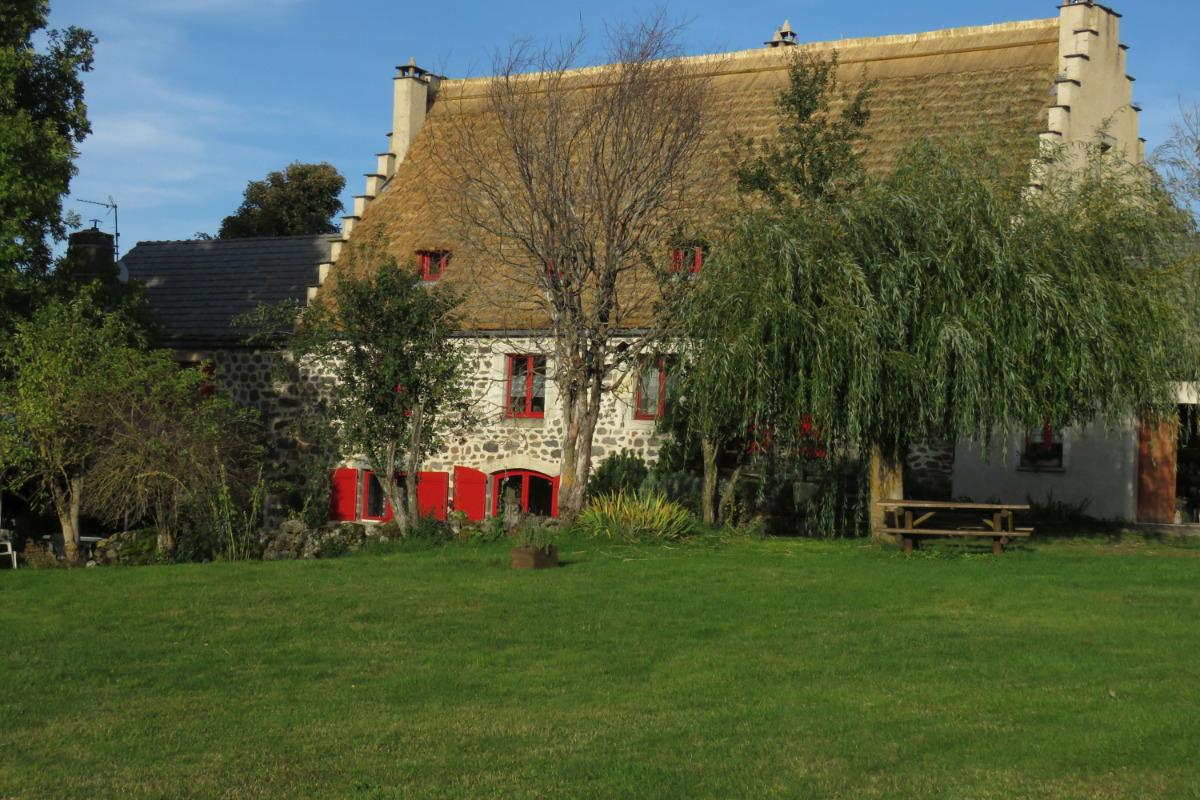 La chaumière d'Alambre depuis le jardin - Location de vacances - Moudeyres
