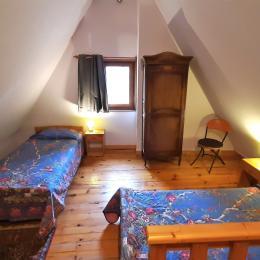 Chambre 2° étage, 2 lits simples - Location de vacances - Moudeyres