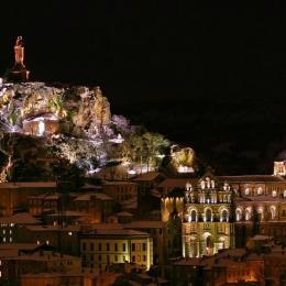 Le Puy la nuit - Location de vacances - Le Puy-en-Velay