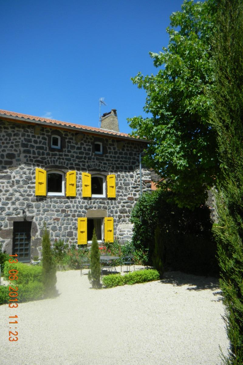 meublé Clévacances le Prieuré à Bains 43370 - Haute-Loire - Location de vacances - Bains