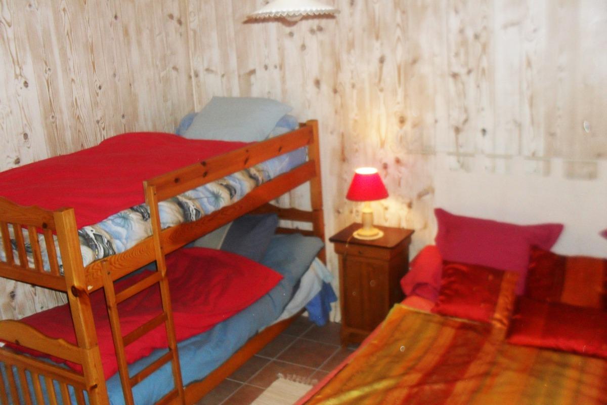 chambre SAPIN (ch. familiale) : 4 couchages - Chambre d'hôtes - Saint-Julien-du-Pinet