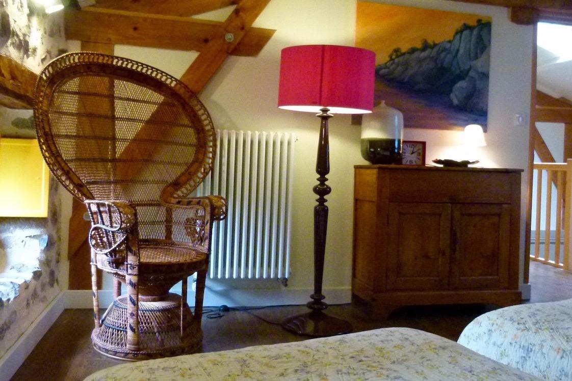 Chambre Labraud avec chaise emmanuelle - Chambre d'hôtes - Saint-Bérain