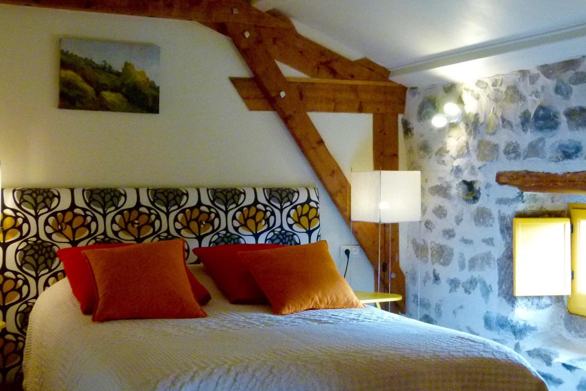 Chambre Chalon avec lit double - Chambre d'hôtes - Saint-Bérain