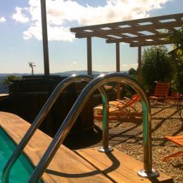 Notre petite piscine surplombant la gorges d'Allier - Chambre d'hôtes - Saint-Bérain