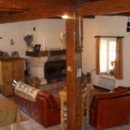 La pièce à vivre - Location de vacances - Chastel