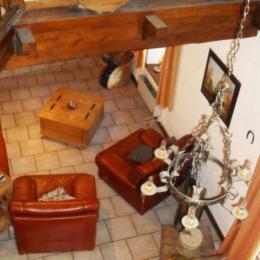 La pièce à vivre vue de la mezzanine - Location de vacances - Chastel