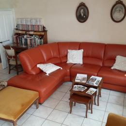 Pièce à vivre avec coin salon  - Location de vacances - Chamalières-sur-Loire