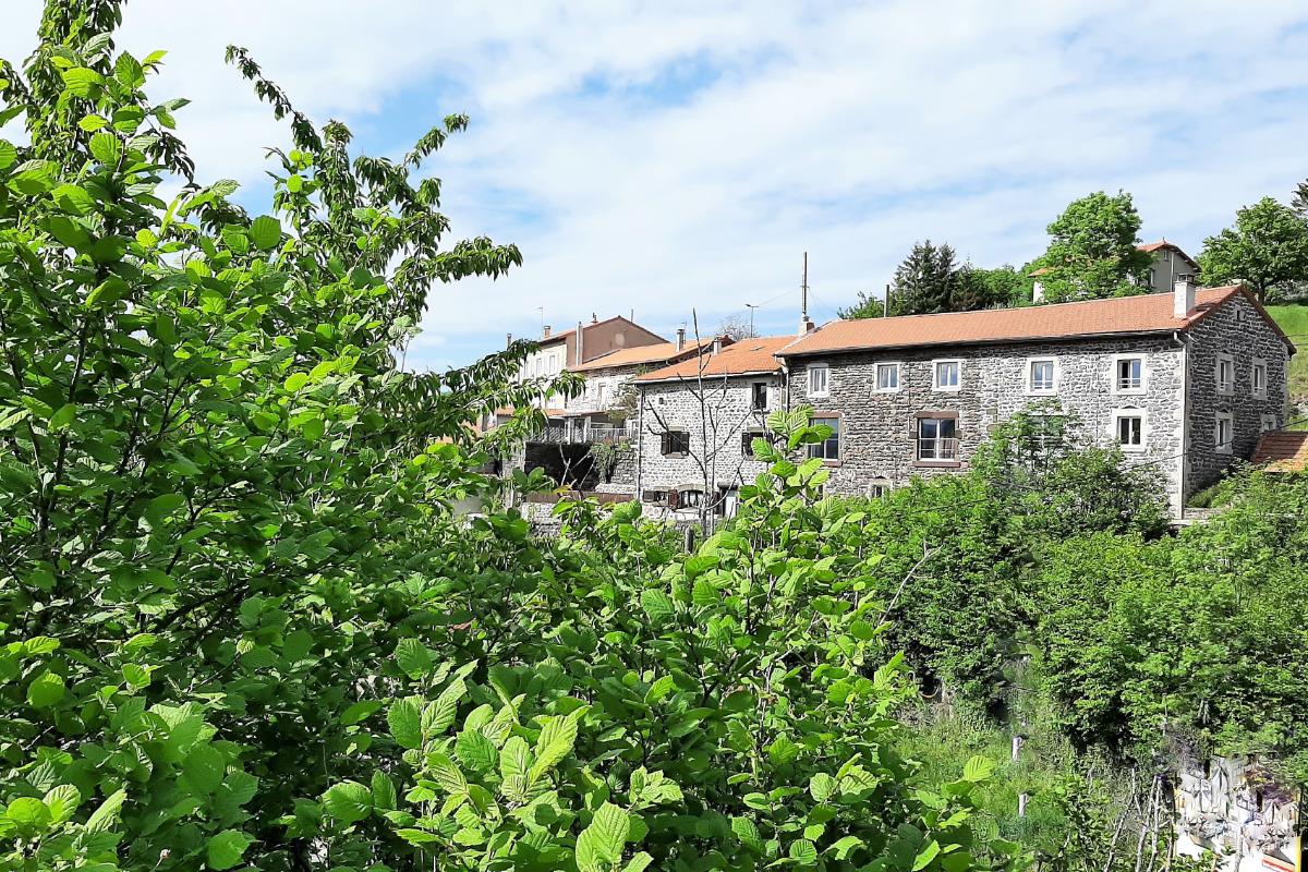 Gîte Clévacances 3 clés - Appartement situé au 1er étage de la maison - entrée de plain-pied. - Location de vacances - Le Puy-en-Velay